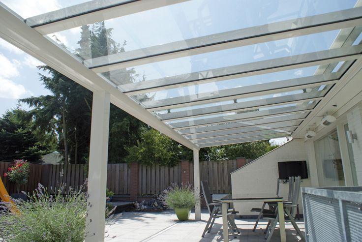 Verano terrasoverkapping / veranda Riva met glasplaten. Grote breedte maten mogelijk met de Riva veranda.