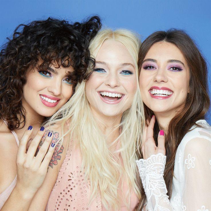 Hay un look para cada personalidad, descúbrelos todos en nuestro canal de YouTube. #JAFRA #JAFRAMéxico #JAFRAGirlSquad #fragancia #floral #frutal #amigas #mejoresamigas #diversión #amor #dulzura #espontaneidad #aventura #fiesta #música #baile #nuevo #catálogo