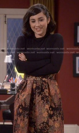 Mandy's orange floral skirt and black turtleneck on Last Man Standing. Outfit Details: http://wornontv.net/54268/ #LastManStanding