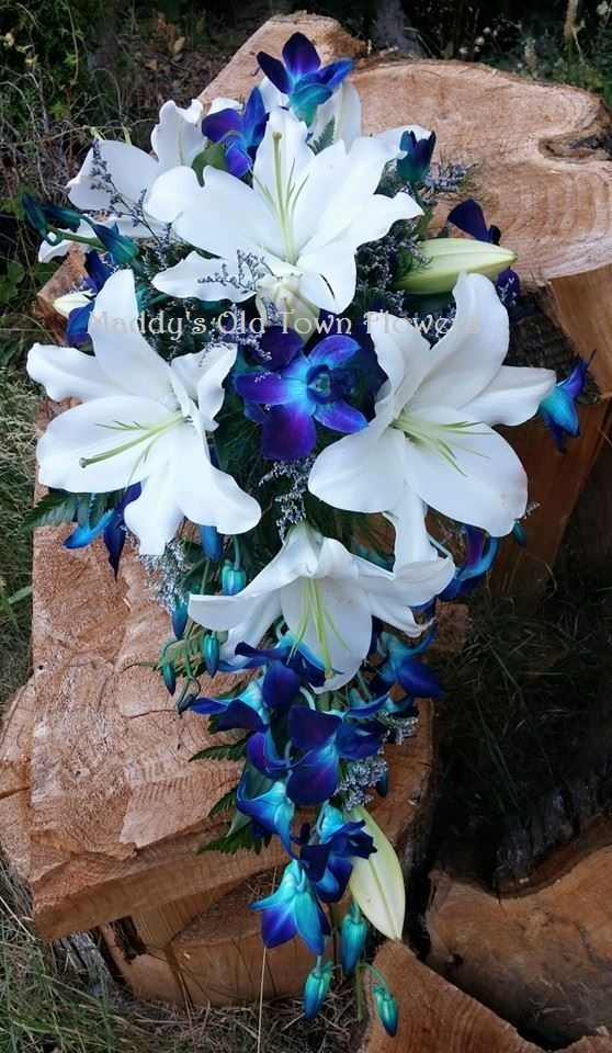 Oriental lilies and dyed Dendrobium orchids
