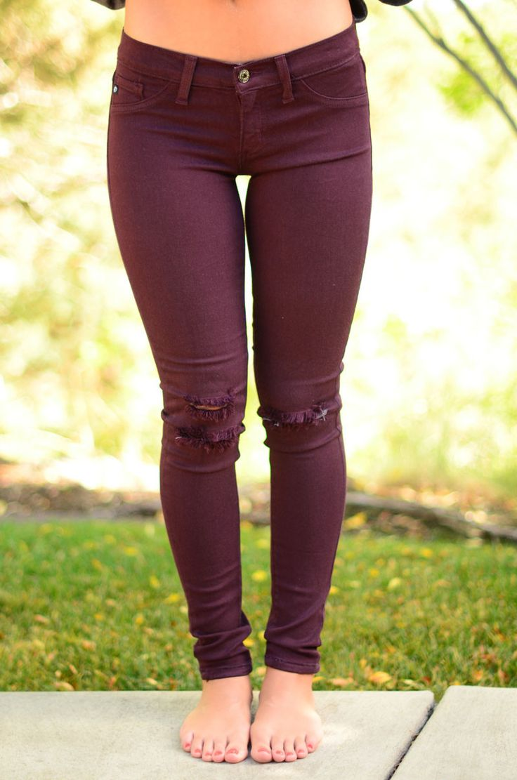 Burgundy is THE fall color! It pairs perfectly with everything. These jeans have the best stretch and are so comfy all day long! The ripped knees add a fun detail! You're going to love pairing these w