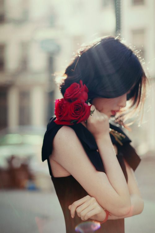 Punaiset ruusut ja muut kauniit
