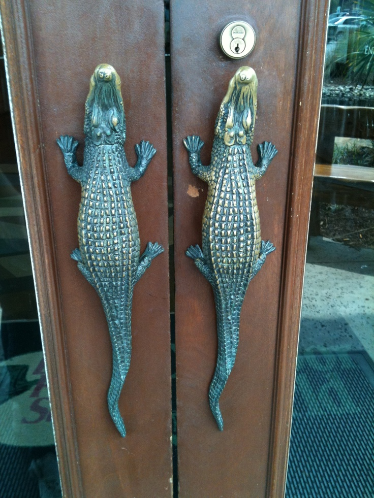Aligator handles!