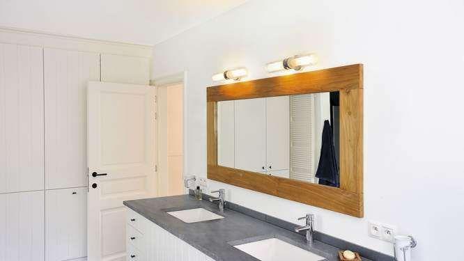 10 solutions d clairage pour la salle de bains salle de bain bathroom pinterest - Reglette douche italienne ...