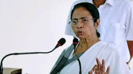 Will dismiss civic bodies if they fail to check the spread of dengue: Mamata Banerjee