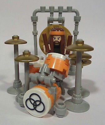 Lego set kit made especially to portray John Bonham, famous drummer of Led Zeppelin rock band. #DianaDee:) - DRUMS & DRUMMING JOY - https://www.pinterest.com/DianaDeeOsborne/drums-drumming-joy/ - Almost qualified for my MOST #POPULAR RE-PINS Pinterest board! Of course, many musicians know WHAT'S WRONG WITH THIS PICTURE: It's WAY too few cymbals and drum pieces for this #fun band member known for creation of wild and huge #drumkits ! #humor