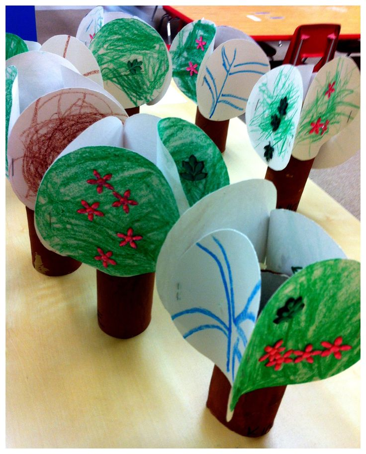 DIY for Preschool; The Tree of the year, showing all seasons. All you need is 4 circle cut white cardstock and a toilet paper roll. :-D