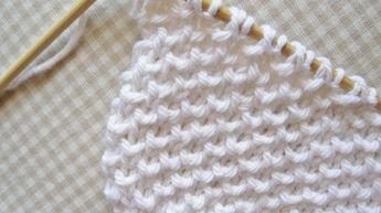Foi a minha mãe que me ensinou esta malha e foi uma das que mais fiz durante toda a vida. Por várias razões: é simples, é tricotada só em...