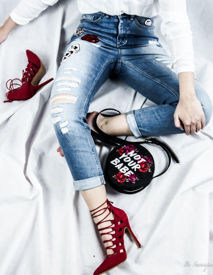 Jeder braucht diese eine perfekte Jeans! Da Patches auch dieses Jahr wieder voll im Trend sind ist diese hier einfach perfekt! www.gang-fashion.com #munichblogger #modefürfrauen #higheels #notyourbabe #rot #boyfriendjeans