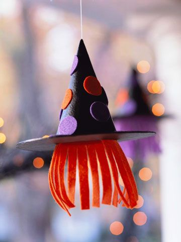 Cute idea for kid craft at halloween partyWitches Hour, Halloween Parties, Witch Hats, Cute Ideas, Witches Hats, Halloween Crafts, Kids Crafts, Halloween Kids, Halloween Ideas