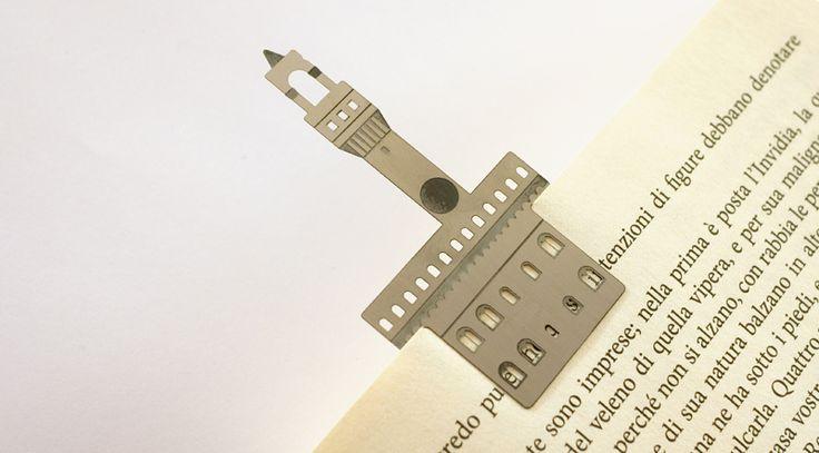 Il segnalibro di Palazzo Vecchio Un segnalibro unico e originale in acciaio inox con uno dei palazzi più celebri di Firenze