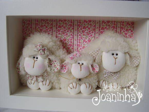 Mamãe Joaninha (Elo7) - Quadro em mdf com aplicação de tecido e ovelhas de pelúcia. (Q160) R$ 240,00