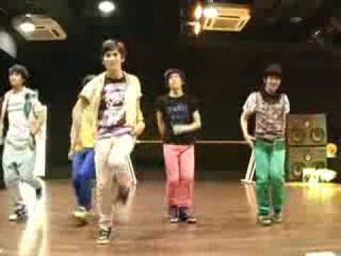 SHINee - Replay (Dance ver.) - OH MY FUCKING GOD. They were all so little xD Taemin at the start. Oh my gosh he was so adorable xD <3