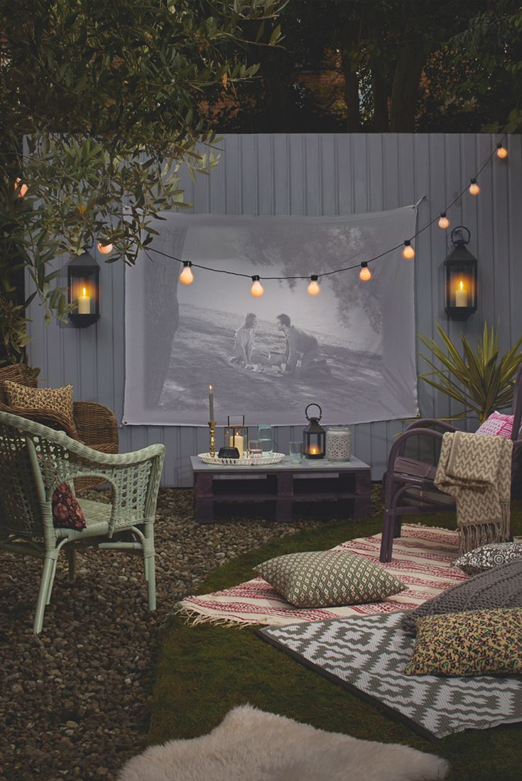 Create the perfect outdoor entertaining space with Cuprinol Garden Shades. This look comes to life on those warm summer evenings.