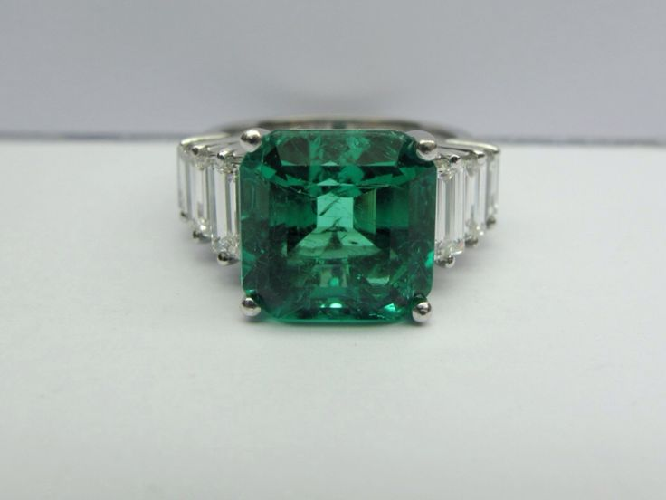 Emerald ring by Katramopoulos