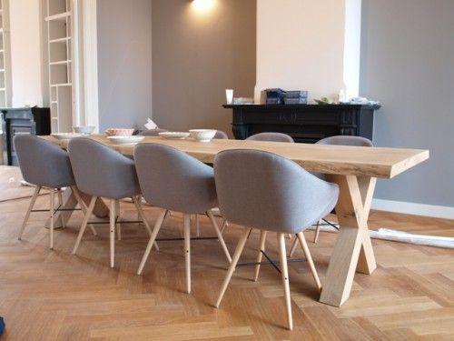 We maakten deze prachtige massief eiken tafel van 3 meter lang voor in een stijlvolle woning. By Wood4
