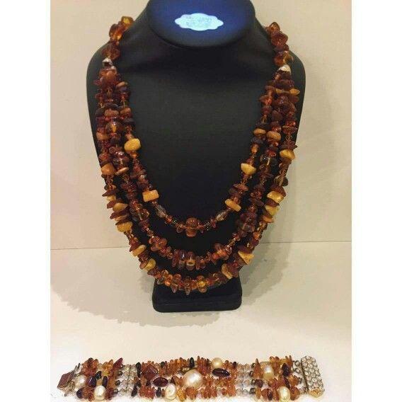 Ambra  Collana e bracciale interamente realizzati a mano #uniquepieces #artchiajaoriginalhandmade ❤