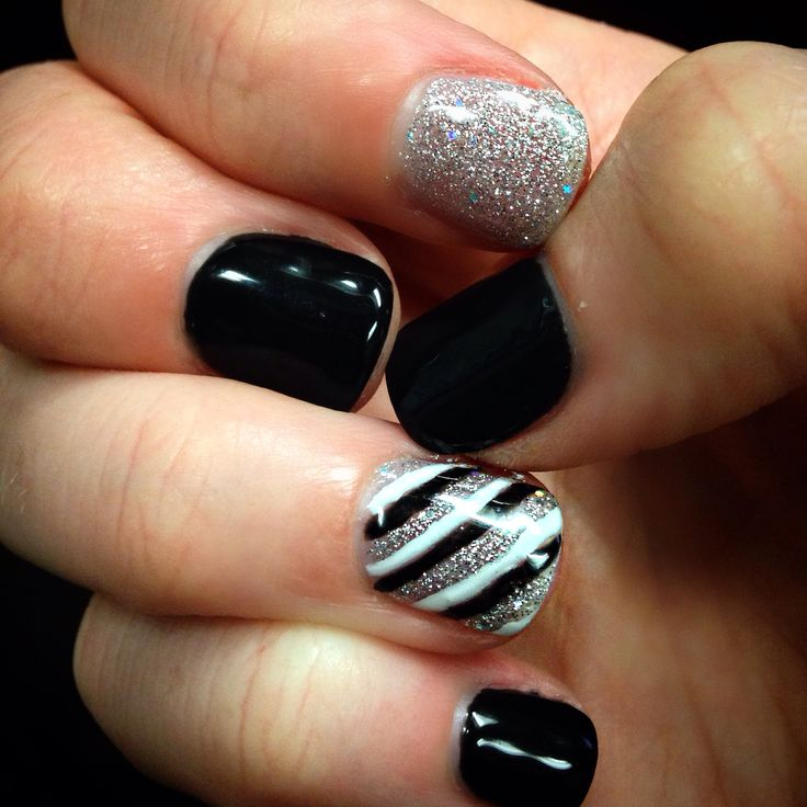 Got my nails done by Nicole at Solar Image in Lufkin! Black, white and silver, shellac