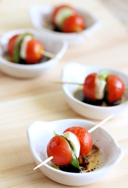 Tomato, Basil and Mozzarella Skewers // Caprese Skewers