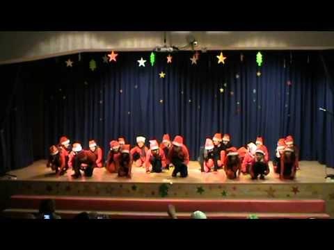 """""""Feliz Navidad te deseo cantando"""" - 4º B (Actuación de Navidad, diciembre 2013) - YouTube"""
