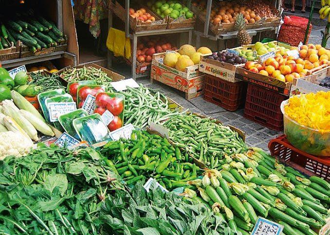 Kreetan toreilta löytyy usein villivihanneksia. # Finnmatkat