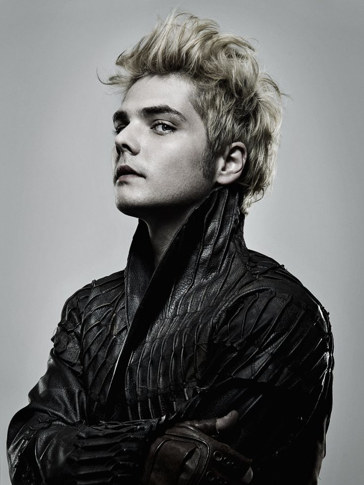New photo of Gerard Way by Allan Amato / Nouvelle photo de Gerard Way par Allan Amato