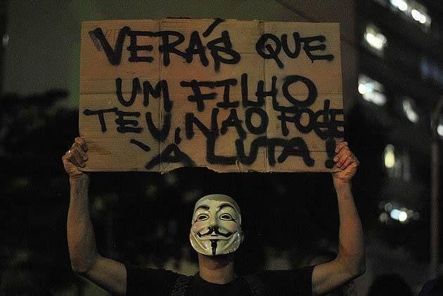 """A chance de os manifestos serem abordados nas provas é realmente grande, segundo especialistas. Os últimos acontecimentos no Brasil dão sinal de que temas de história podem cair nas principais provas do Brasil. É necessário, portanto e de acordo com os professores, estudar pontos como os principais movimentos estudantis no país.Movimento anarquista, marxismo do século...<br /><a class=""""more-link""""…"""