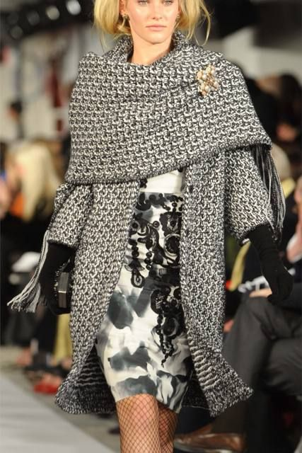 Beautiful winter overcoat when all dressed up! (Oscar de la Renta)