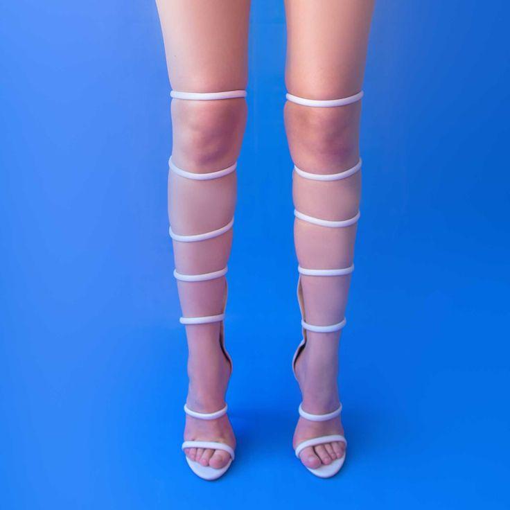 Sandalele de dama Mineli Grace sunt realizate din piele și barete delicate, perfecte pentru a completa o ținută de efect.