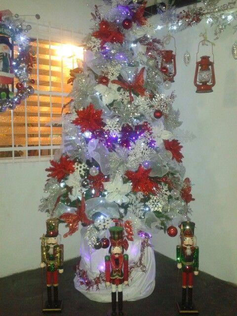 Arbol de navidad rojo blanco y plateado navidad pinterest - Arboles de navidad blanco ...