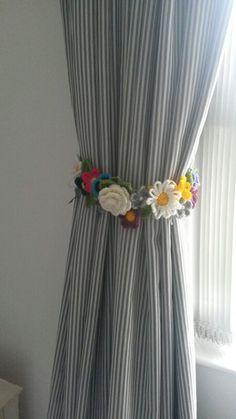 Flores a crochet abrazaderas