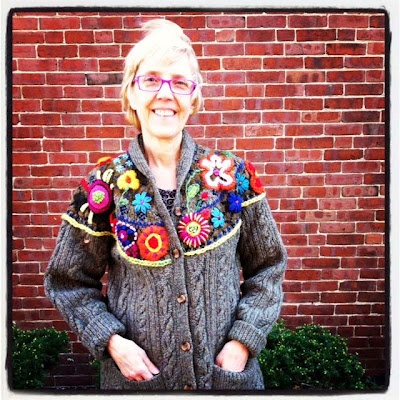 Love this idea to add embroidery to an older sweater to give it new life.Ideas, Crafty Clothing, Sweaters Crafts, Sweaters Mendes, Diy Crafts, Add Embroidery, Louise Sweaters, Older Sweaters, Stitches