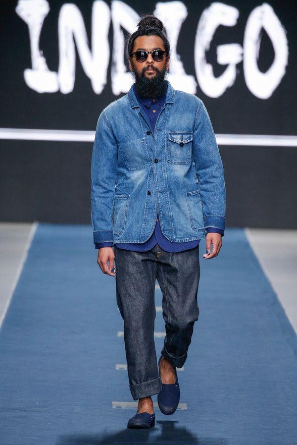 """""""Kings of Indigo"""", kurz K.O.I., ist ein Jeans-Label, das mehr zu bieten hat. Der Koi-Fisch im Namenskürzel hat Symbolkraft, denn Kois schwimmen gerne gegen den Strom. Den Unternehmensgründern geht es um Nachhaltigkeit, Fair Trade, hohe Qualität und Charakter. Daher suchen sie sich jeden Shop, der ihre Marke anbietet, sorgfältig aus."""