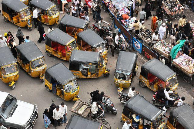 Autorikshaw traffic Charminar area (by karathepirate)