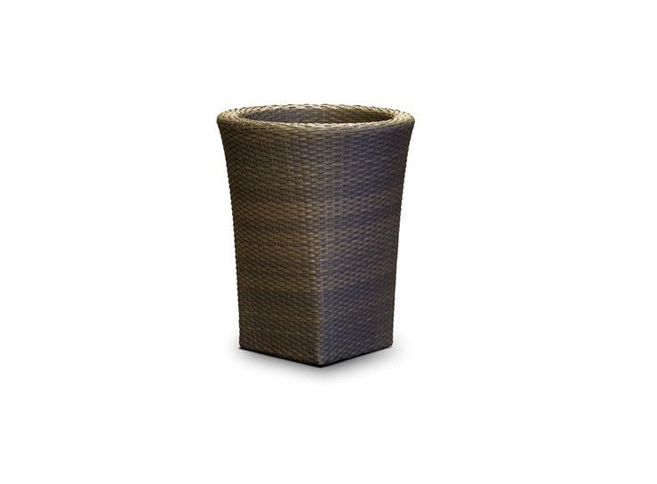"""""""Лукка"""" ,  663591, ваза для цветов, алюминиевый каркас, искусственный ротанг, размер 500х500х600, цвет серо - коричневый             Объем: 0,15.              Материал: Пластик.              Бренд: 4SiS.              Стили: Скандинавский и минимализм.              Цвета: Темно-коричневый."""