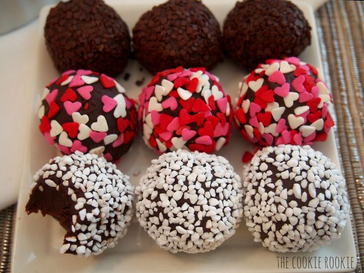 easy chocolate truffles. i love to whip these up once in a while...SO ...