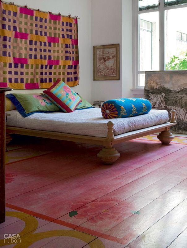 Apartamento colorido em Milão era um antigo depósito de vidros - Casa