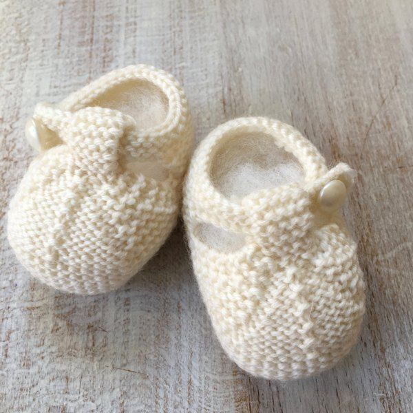"""Sizes : Newborn / 3 months / 6 months / 9 monthsInstructions are given separately in 4 sizes with pictures.Materials : Wool Anny Blatt """" Baby Blatt """" / """" Naturel """" Color Fingering 4 ply / 100 % Wool 50 g ball / 115 meters / 1 ball for each sizeOne pair each 2,5 mm (US 1 1/2) knitting needles or size needeed to give correct tension. One circular needle to leave stitches waitingTension : Using N° 2,5 mm knitting needles, 37 rows x 29 s..."""