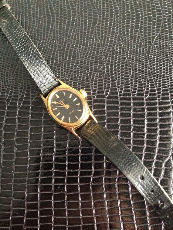 Vintage Ladies timex watch quartz women's  by HerbysCloset on Etsy, $15.00