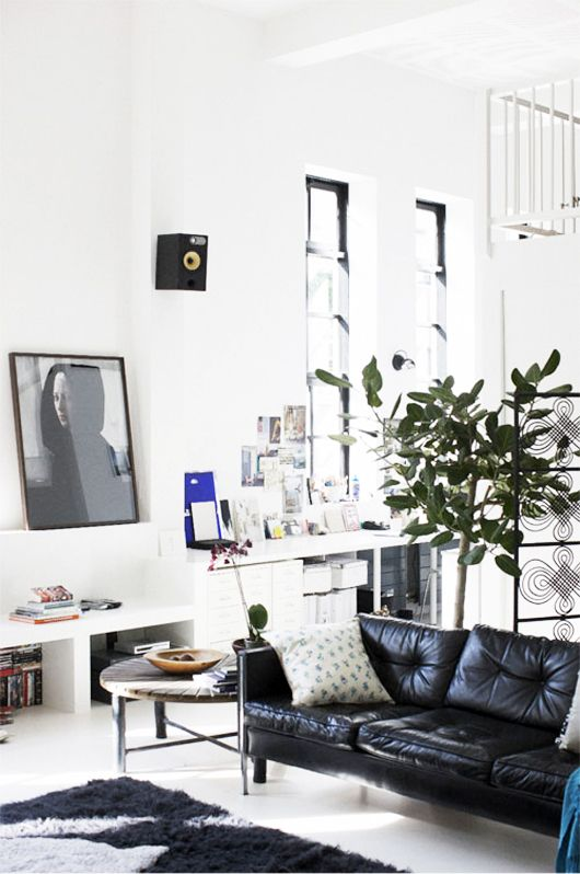 a pinboard in particular: the elusive black sofa. / sfgirlbybay  Love the colours and art