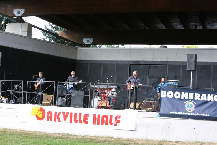 Boomerang performing LIVE at the finish area.