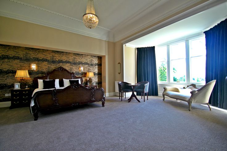 Paton (Honeymoon) Suite at Inglewood House near Stirling #Hotel #BridalSuite #Romantic