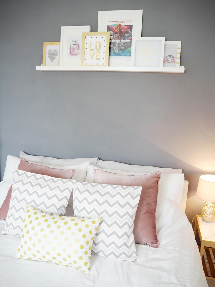 pink and grey bedroom. PILLOWS ON BED  ZIG ZAG GOLD PINK GREY BEDROOM MAKEOVER Bang Best 25 Pink grey bedrooms ideas on Pinterest and