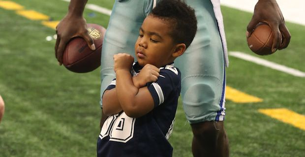 Dez Bryant Jr. Throwing Up The X While At Practice With Daddy [VIDEO] | FatManWriting