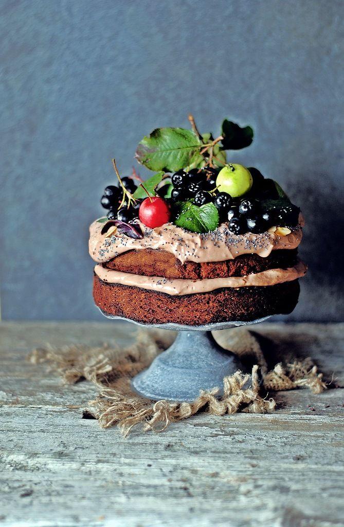 Я к вам сегодня с тортом от Джейми Оливера) У него он значится, как пасхальный, но я сделала сейчас. У меня урожай овощей и фруктов)) и рецепт пришелся кстати.…
