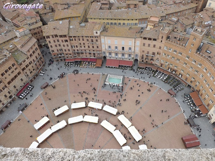 Siena | Piazza del Campo from the top of Torre del Mangia