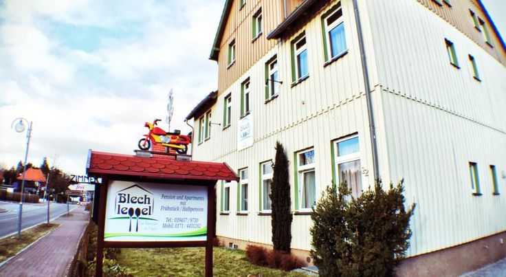 Blechleppel - Die Pension im Harz Benneckenstein These comfortable holiday apartments are located in Benneckenstein, on a high plateau on the outskirts of the Harz Nature Park, and are ideal for both summer and winter breaks.