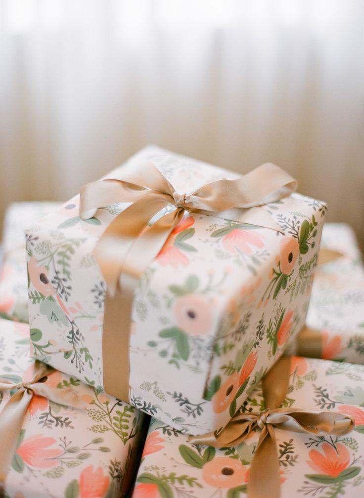 How To Wrap Wedding Gifts: Traditional Charleston Wedding