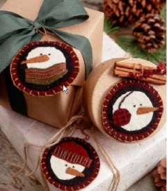 71 best Folded Ornaments images on Pinterest | Christmas balls ... : quilted ornaments to make - Adamdwight.com