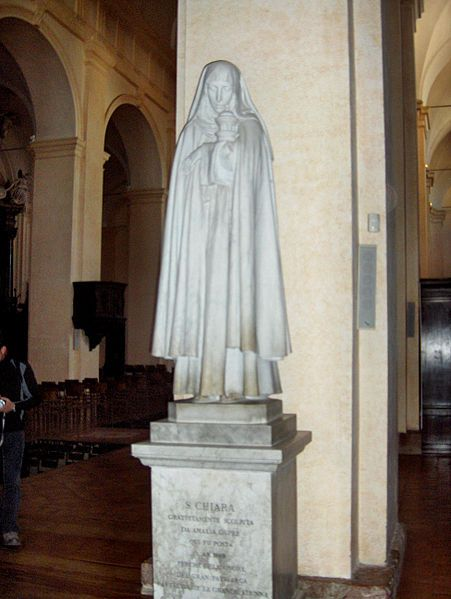 Amalia Dupré, Statua di Santa Chiara nella Cattedrale di San Rufino, Assisi